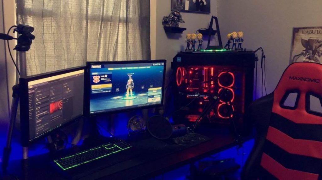 Image of PC setup playing fortnite